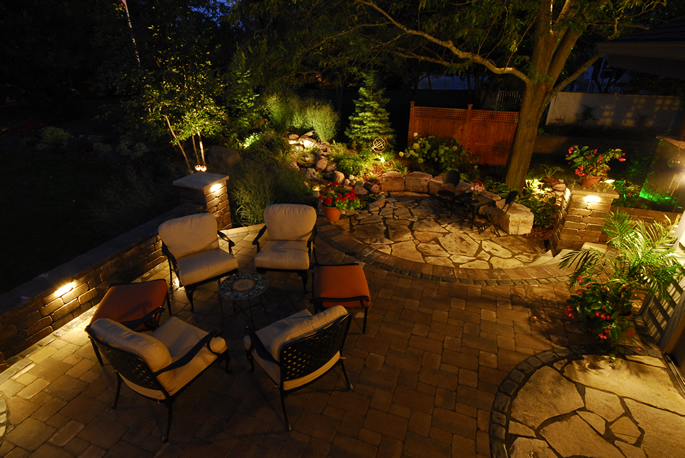 Northern Lights And Rainmakers Inc Landscape Lighting